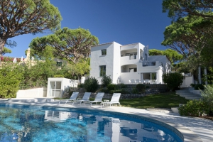 Villa for sale in Almancil, Quarteira, Vilamoura, Quinta do Lago, Vale do Lobo, Faro - EMA13142